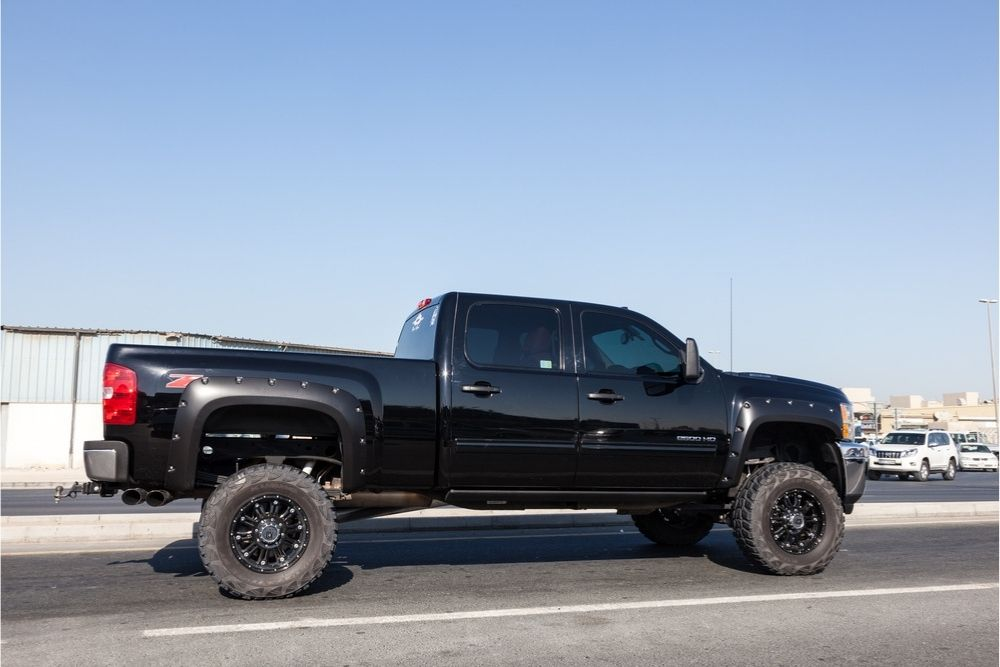What are the cons of using a leveling kit for your Chevy Silverado