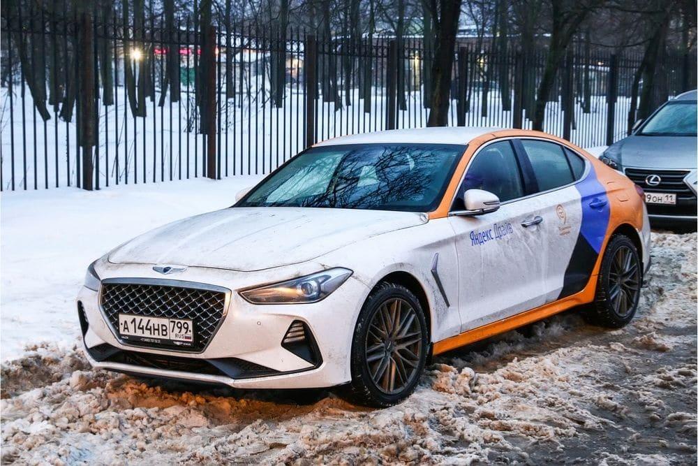 Is the Hyundai Theta engine the same as the Hyundai 2.0 Turbo engine?